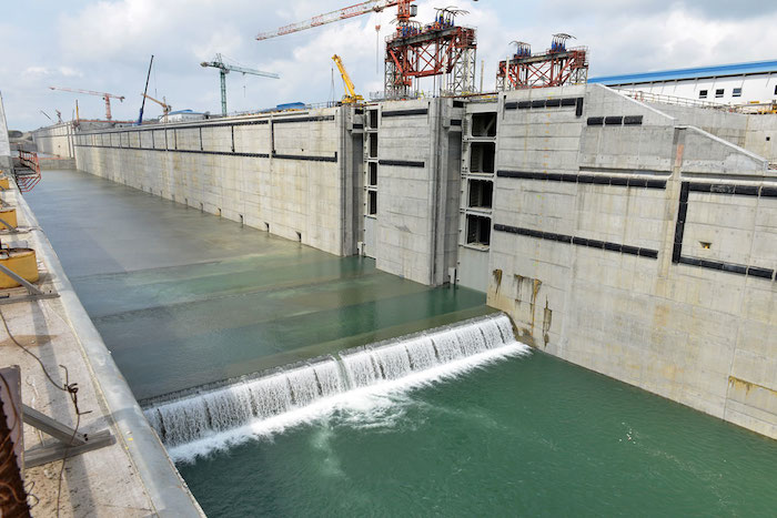 Study raises safety concerns over Panama Canal's new locks