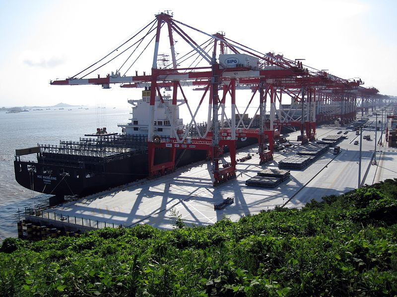 Port of Shanghai again breaks world record lifting its 40 millionth TEU