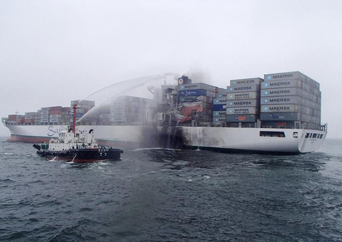 Fire-ravished 4,650-TEU Safmarine Meru towed into Ningbo