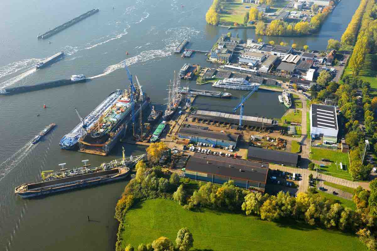 Damen Shiprepair Oranjewerf receives ISO 9001:2008 certification