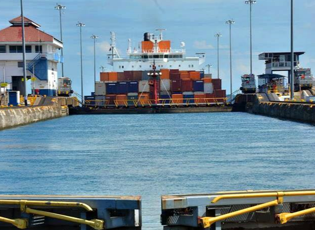 Old workhorses to bow out as bigger box ships transit Panama Canal