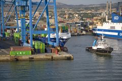 Mediterranean ports see traffic growth but Italy at a standstill