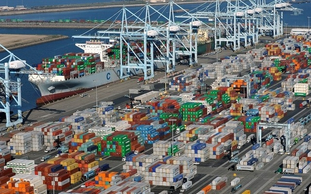 Global shipping confidence is at all-time low: survey