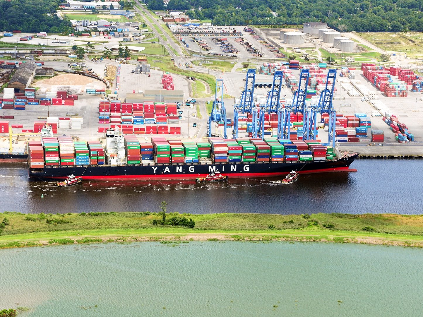 8,200-TEUer, biggest ship to dock at Wilmington, North Carolina