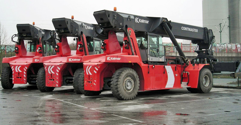 Crowley orders 7 top loaders, 8 reachstackers for Florida, Puerto Rico