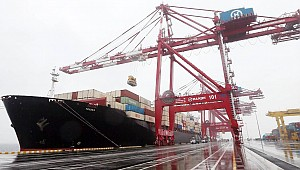 Iran to add 10 ships to fleet, including four 14,000-TEUers