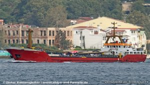 Disabled cargo ship towed to Tuzla for repairs