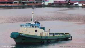 Seatow refloated grounded vessel