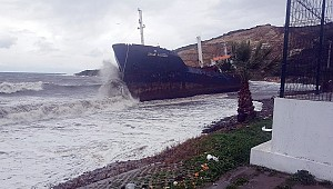 Turkish cargo ship M/V Sinan Naiboğlu drifted aground
