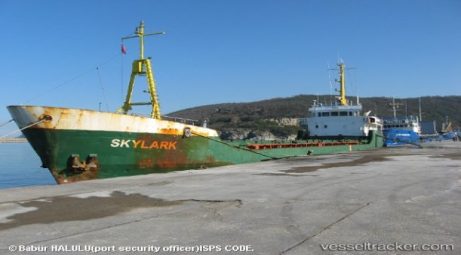 Skylark disabled in Kissamos Bay