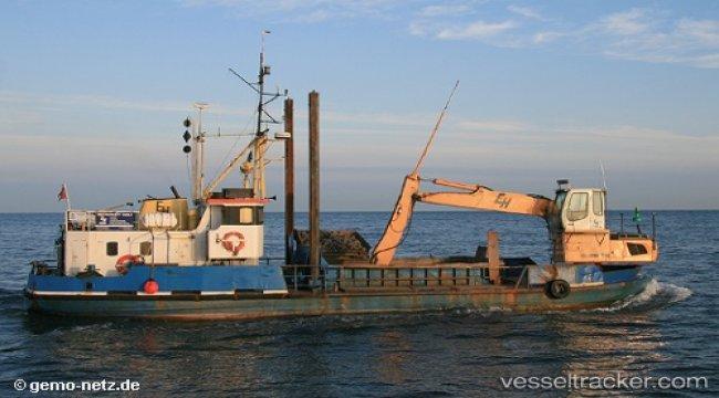 Dredger ship 'Sirius Høj' capsized