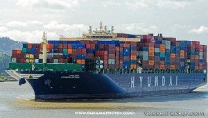 Maersk Shanghai underway to Freeport