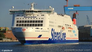 Storm and defective stabilisator kept ferry from docking in Kiel