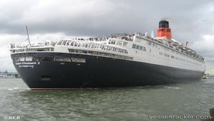 'Welcome home QE2': famous liner makes final voyage to Port Rashid before opening as hotel