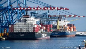 Global container throughput up 6pc to 740 million TEU in 2017