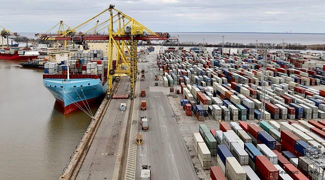 Maersk in negotiations for 10 feeder ships