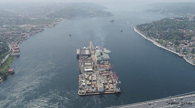 Largest construction vessel 'Pioneering Spirit' passes through Strait of Istanbul