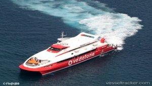 Engine issue kept ferry at Folegandrosin