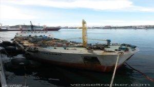 Bunker tanker allided with quay in Vladivostok
