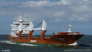 Freighter rescued ocean rower