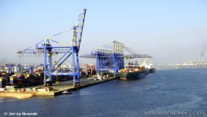Pakistan orders all coal imports to discharge at Port Qasim from August
