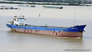 Vietnam: Abandoned plastic wastes imports pile up at City ports