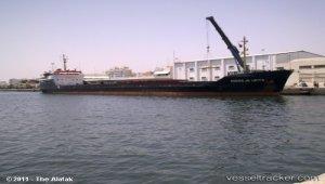 Wreck removal off Mykonos