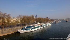 Norovirus on river cruise ship