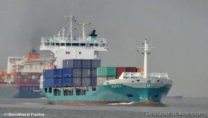 Ragna assisted capsized trimaran crew