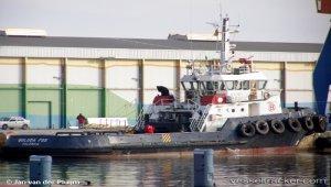 Boluda France's 90tbp tug 'Boluda Fos' deliveres concrete caisson to Monaco