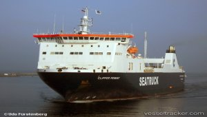 Canary Bridge Seaways to charter Seatruck's CLIPPER PENNANT
