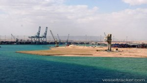 China Harbour builds new terminal south of Egypt's Suez Canal