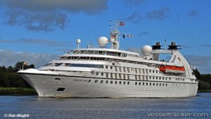Cruise ship berthed in Newport after power was restored