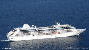 Cruise ship returned to quay