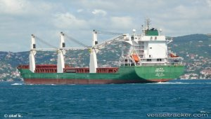 Ethiopian commercial ship docks in Eritrea for first time in 20 years