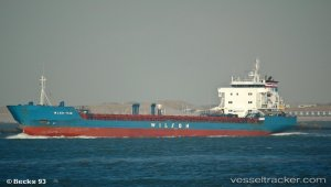 Freighter disabled off Spurn Head
