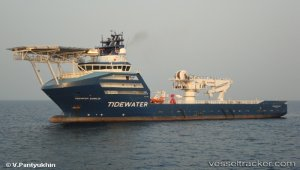 Oil removal from Manolis L completed