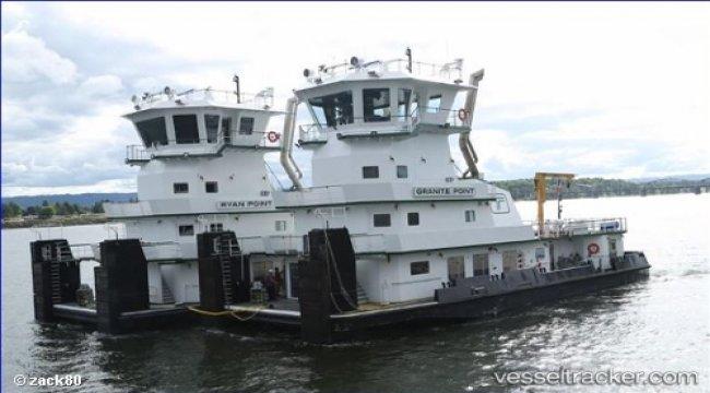 Tug crew saved capsized couple