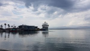 Cruiser Louis Cristal moored at Kuşadası as risk of tropic storm fades