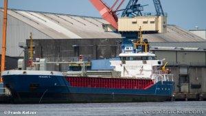 Ship stranded in embankment of Kiel Canal