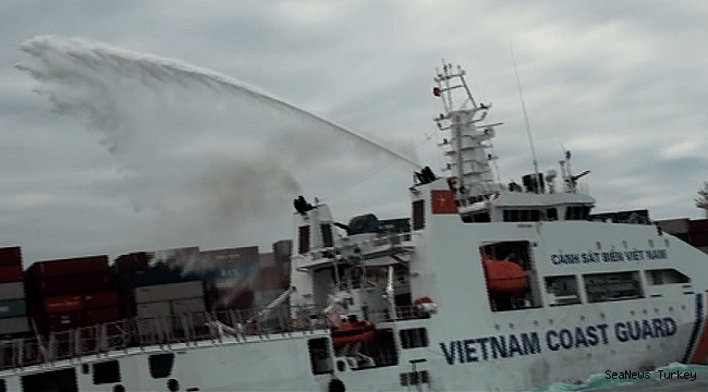 Fire Breaks Out on APL Container Ship APL Vancouver
