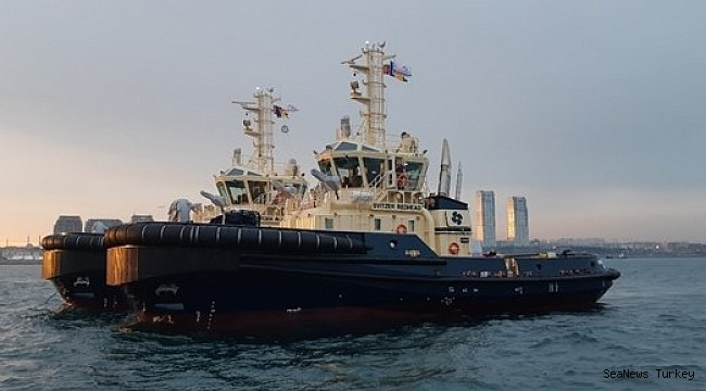 Redwise safely delivers two UZMAR tugs to Australia