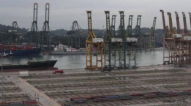 Cargo ship calls at Singapore hub plummet to 27-year low, marine fuel sales fall!
