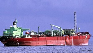 Pirates kidnap nine in attack on vessel off Nigeria!
