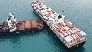 Greek boxship scythes into grounded Iranian vessel off Batam!
