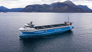 Vard Delivers World's First Electric, Autonomous Container Feeder!