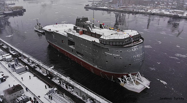 Russia Launches Unusual Floating Science Station for the High Arctic!
