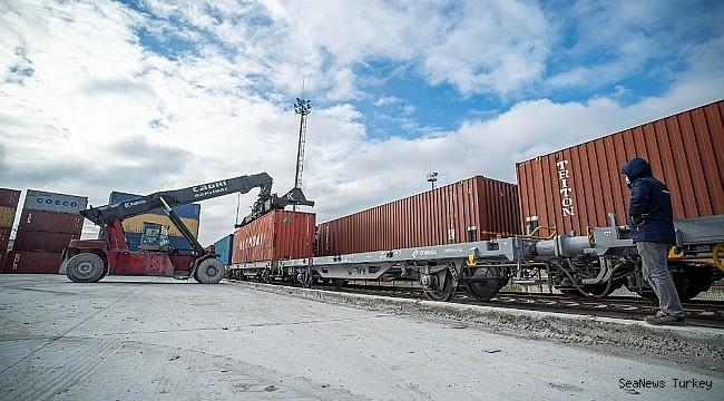 Turkish export goods to China reach Port of Baku