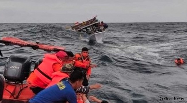 Fishing ship collides with cargo ship in Indonesia: 17 feared dead!